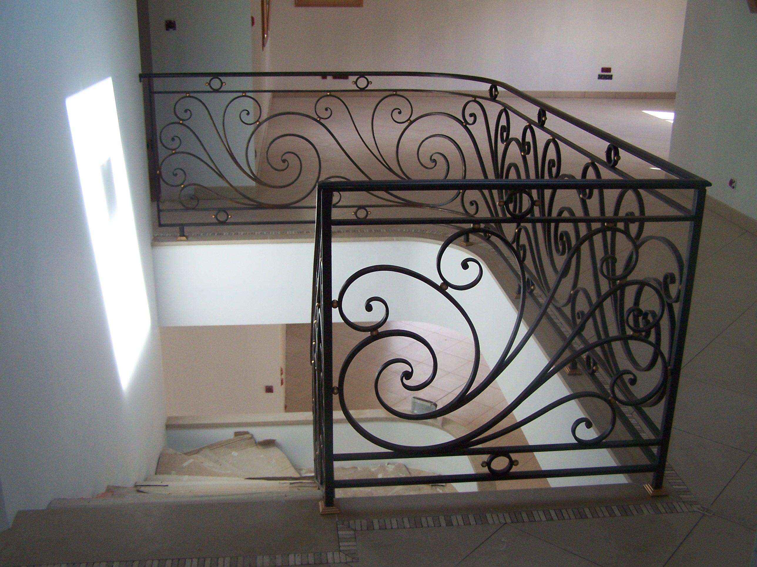 Rampe d'escalier en fer forgé de style Louis XVI