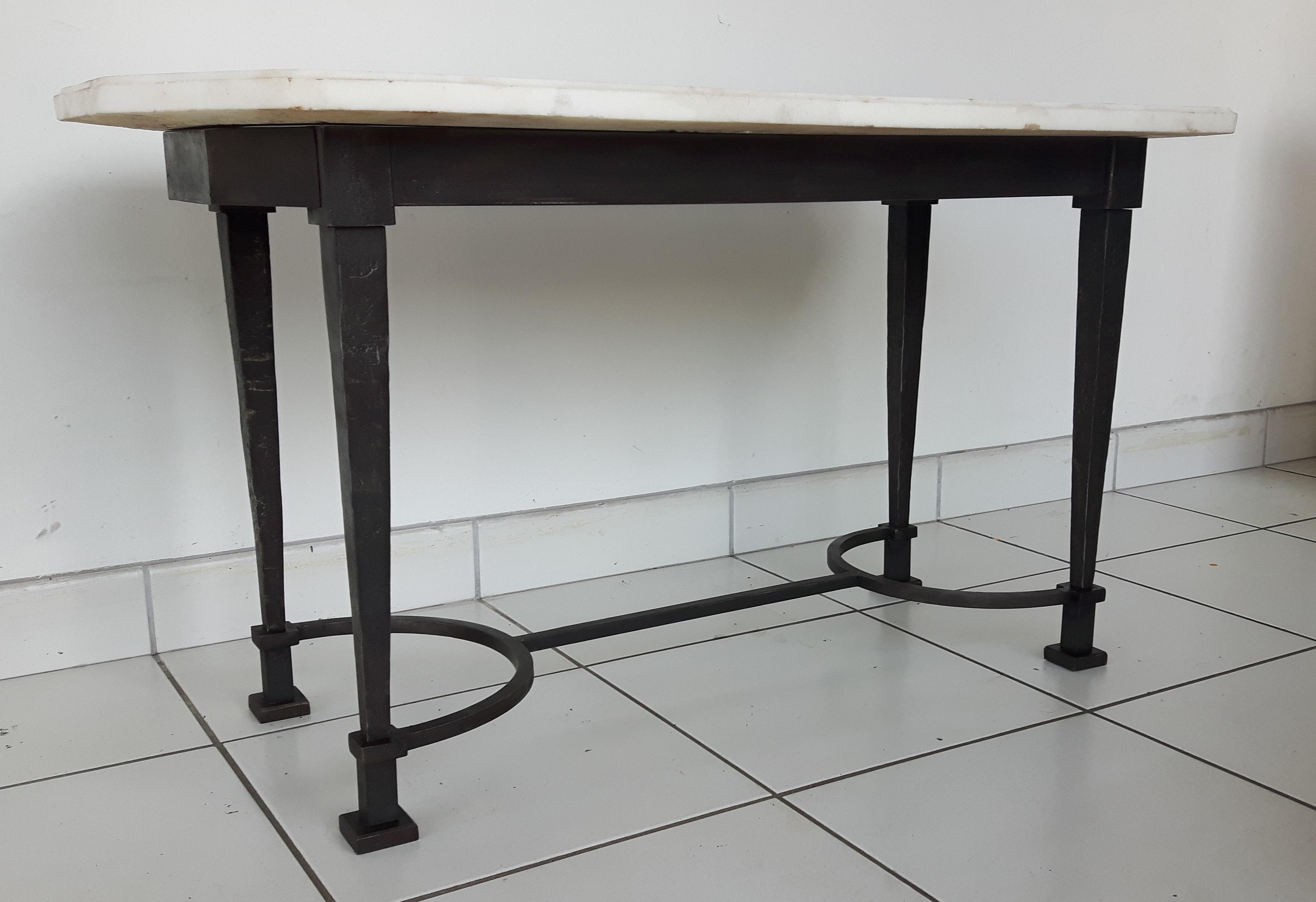 Détail table de salon en fer forgé