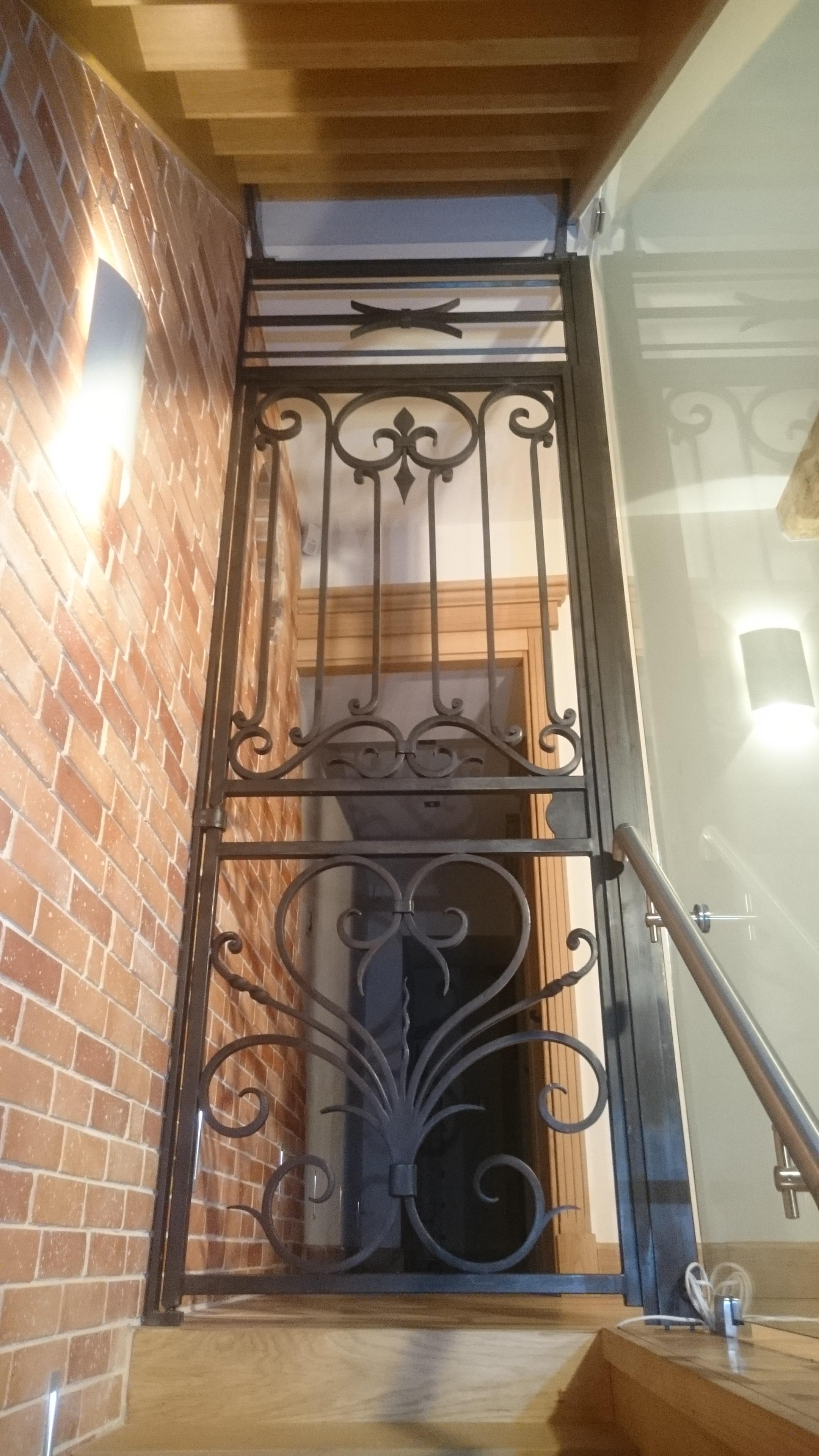 Porte de sécurité décorative
