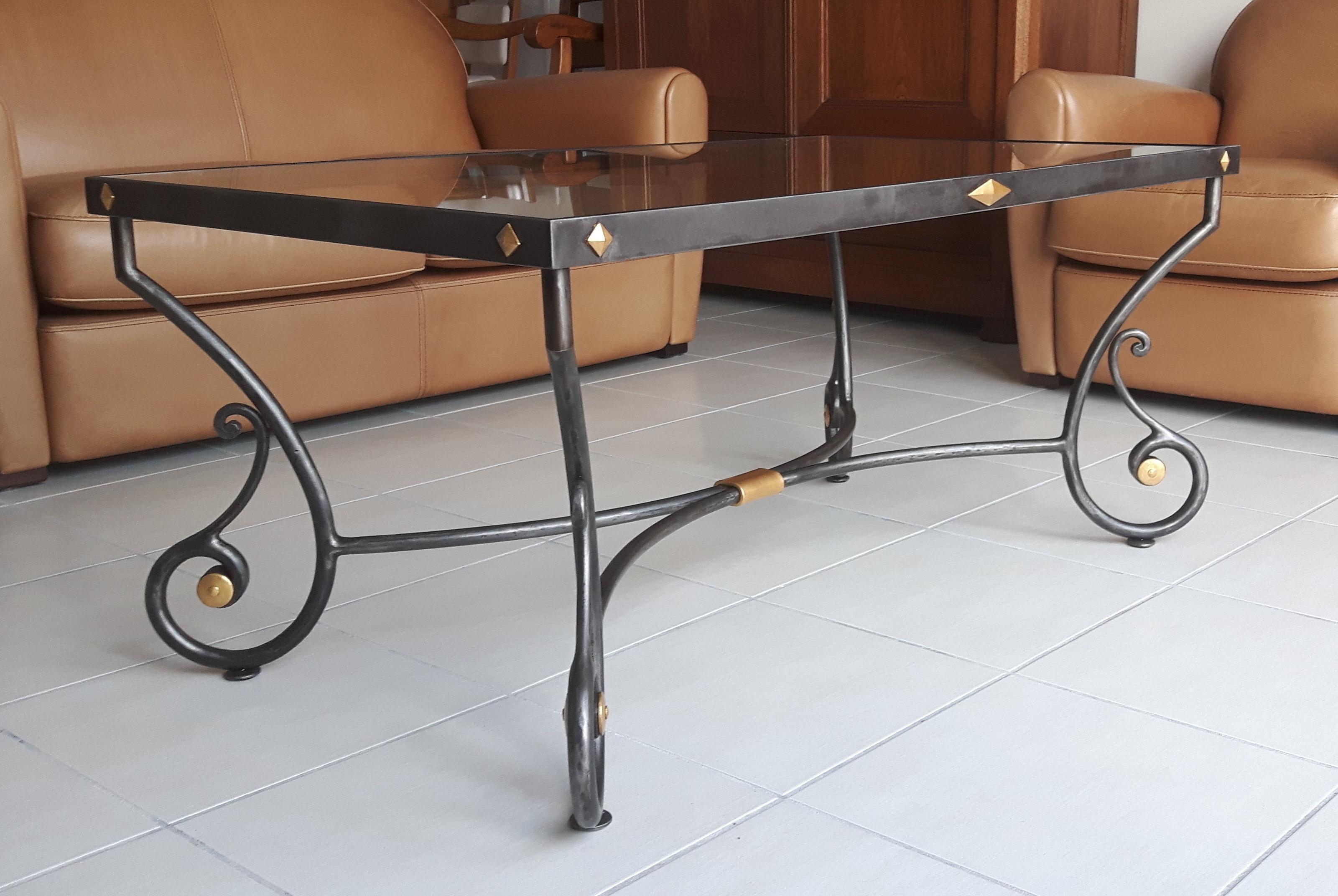 Table de salon  de style allégée