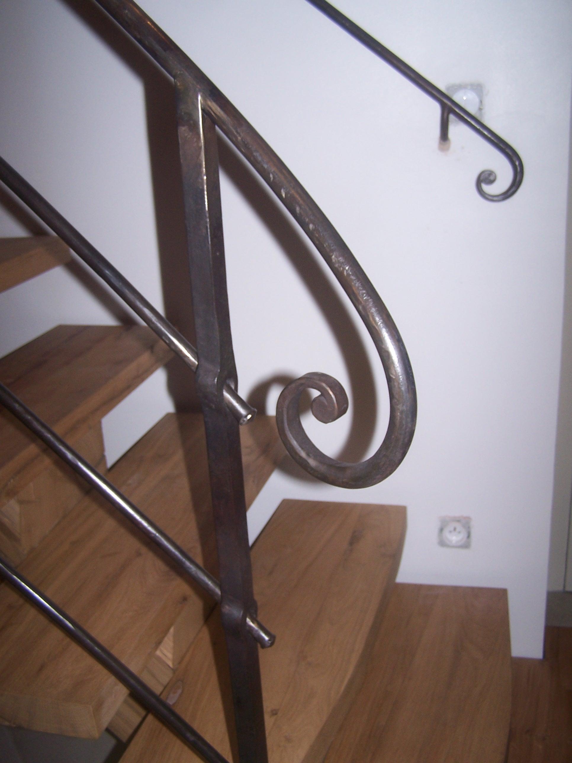 Autre détail sur départ de rampe à trous renflés