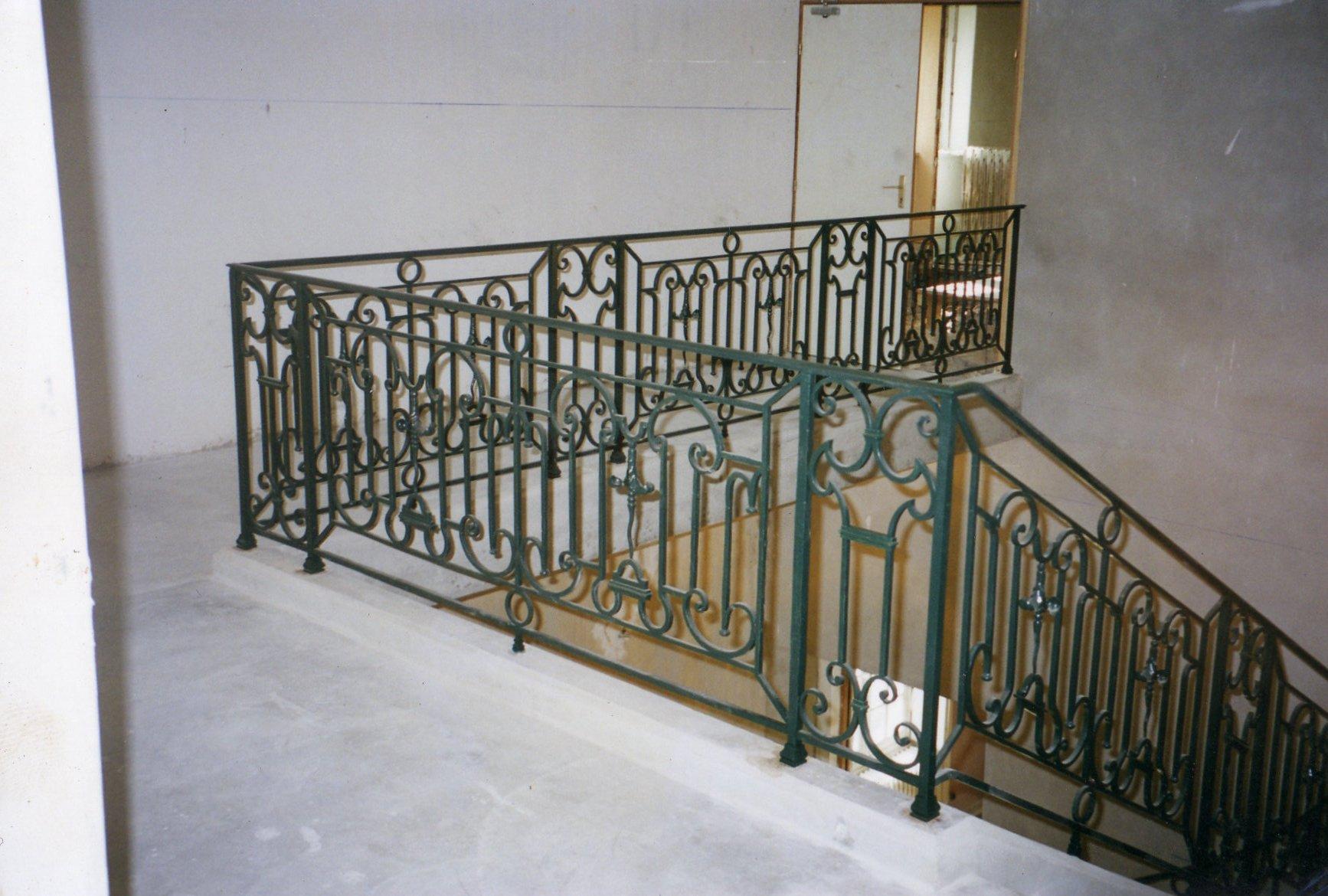 Prolongation d'une rampe en fer forgé ancienne