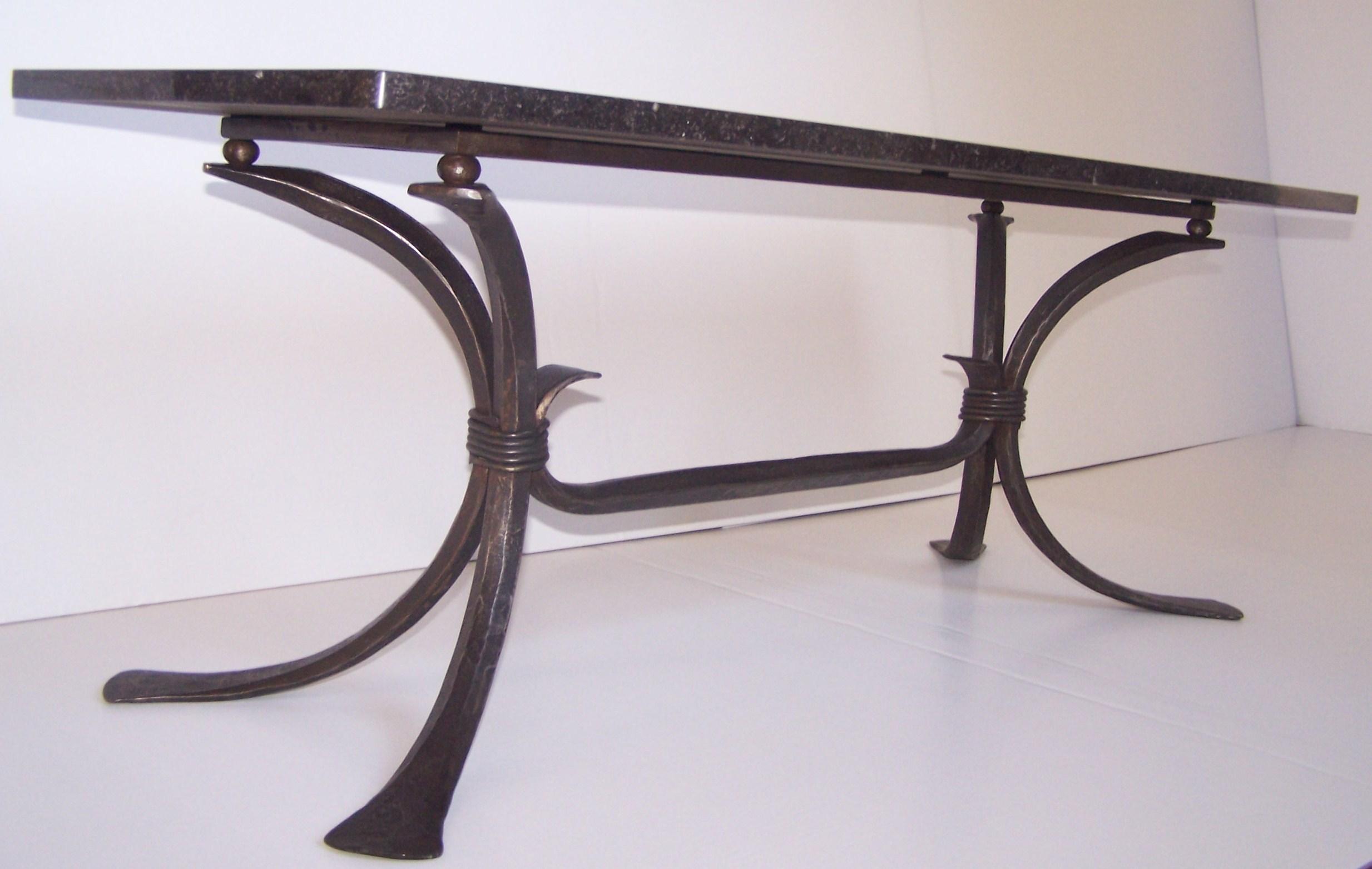 Table de salon moderne